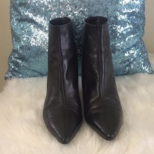 VIA Spiga ankle boots